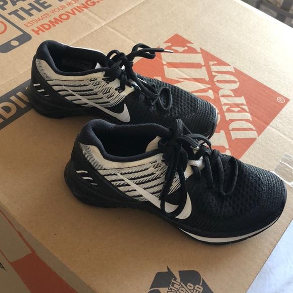 Nike Shoes - Nike Flyknit Metcon